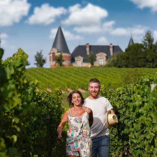 Visiteurs dans les vignes